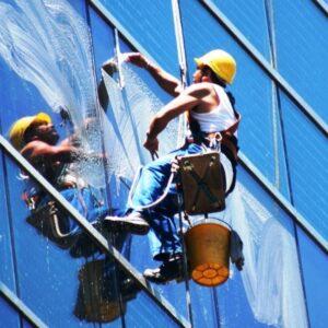 мойка на высоте альпинистами Одесса - komfortcenter.com.ua
