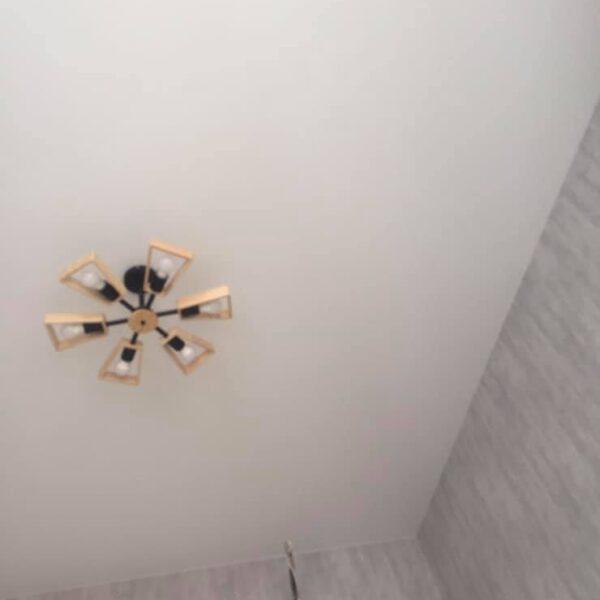 Матовый натяжной потолок в спальню Одесса komfortcenter.com.ua-02