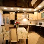 натяжные потолки на кухню - komfortcenter.com.ua